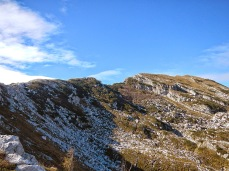Panorama verso la cima dalla forcella