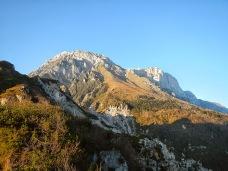 Monte Raut (a sx)