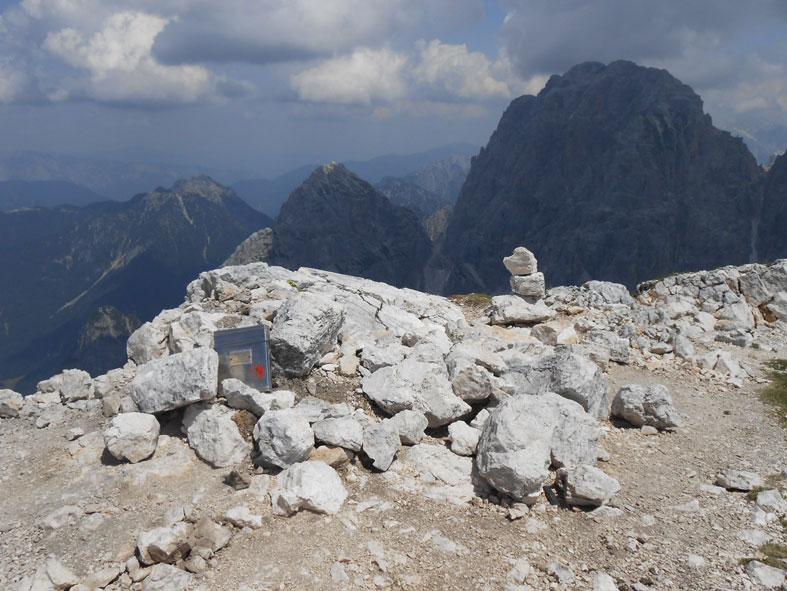 Cima di terrarossa dai piani del montasio supermontifvg for Piani di costruzione del costruttore
