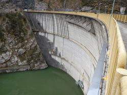 La diga del Lago del Ciul.
