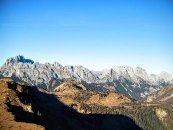 Terza Grande (a sinistra) e Dolomiti Pesarine.