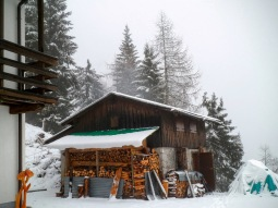 Ricovero invernale al rifugio