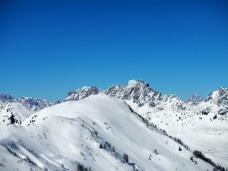 In primo piano Monte Oberkofel. Sullo sfondo Tiarfin