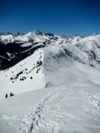 In primo piano Monte Festons. Sullo sfondo monte Bivera