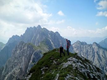 La cresta del monte Chiavals. Sullo sfondo lo Zuc dal Bor