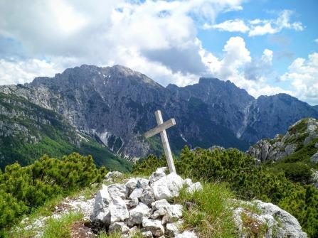 Cima del monte Vualt. Sulls sfondo Chiavals e Zuc dal Bor