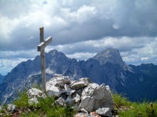 Cima del monte Vualt. Sullo sfondo Creta Grauzaria e Sernio