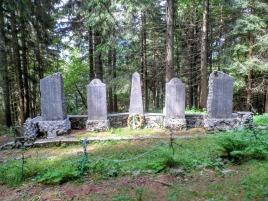 Lapidi dell'ex-cimitero di guerra