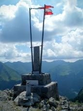Monumento commemorativo sulla cima
