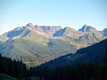 Panorama dal rifugio Caldenave verso la catena del Lagorai