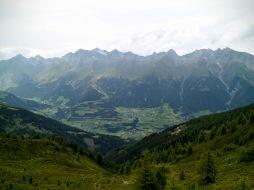 Panorama verso la valle di Virgen
