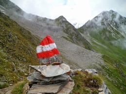 Si sala alla forcella a quota 2740m, posta tra Stampfleskopf e Kriselachspitze