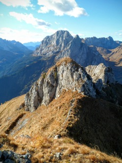 Dietro Monte Avanza