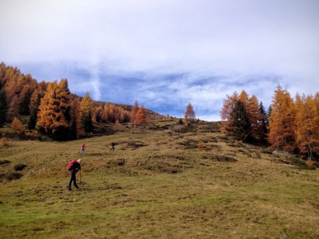 Si sale il pendio verso la sella tra monte Cocco e cima Bella