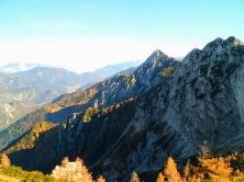 Panorama verso val Canale - A dx Jof di Miezegnot e versante nord del monte Piper