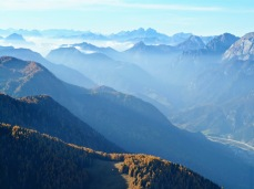 Panorama verso ovest e il monte Coglians