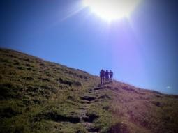 Si sale verso la cima Avostanis