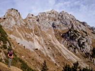 Il versante sud della Cima del Cacciatore.