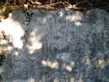 Scritta nei pressi dei resti di alloggiamenti