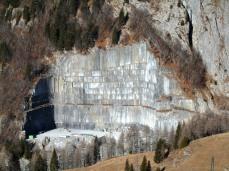 Cava di marmo presso casera Pramosio