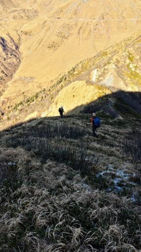 Si scende su traccia dal monte Valsecca