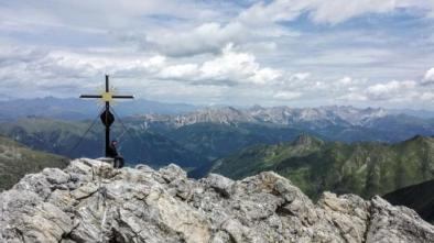 La croce di vetta austriaca.