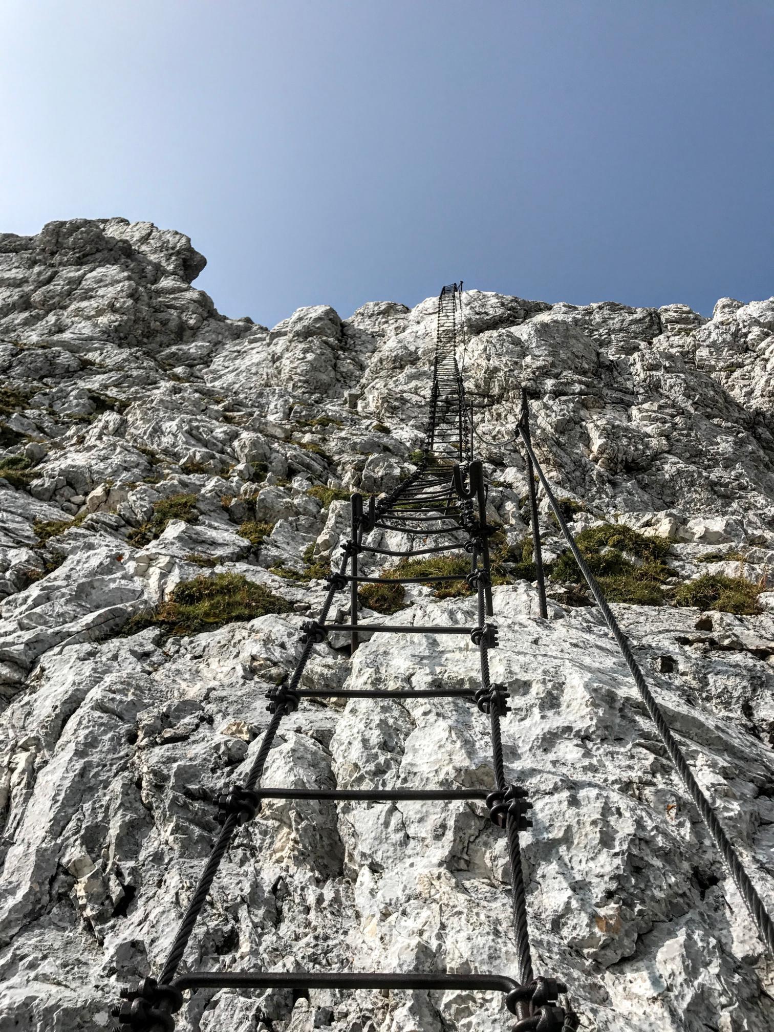 Jof di montasio dai piani del montasio supermontifvg for Piani di fondazione del ponte