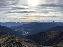 Vista sulla valle di Ovaro.