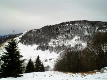 La casera Campo visibile dal sentiero