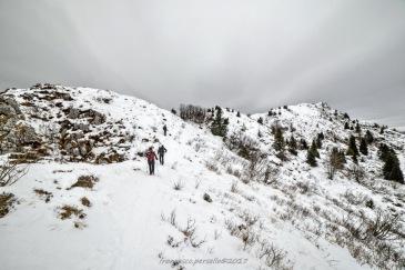 Sul sentiero di cresta verso la cima del Col Cornier